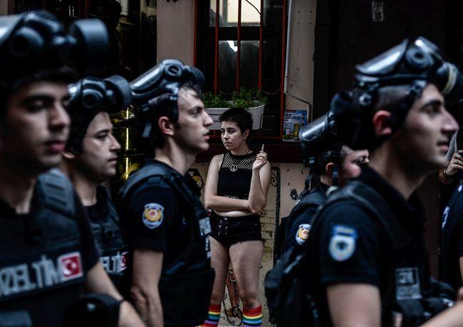 Banned LGBT Pride in Istanbul © Akin Celiktas